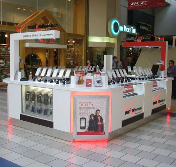 Verizon cell phone kiosk used in shopping mall